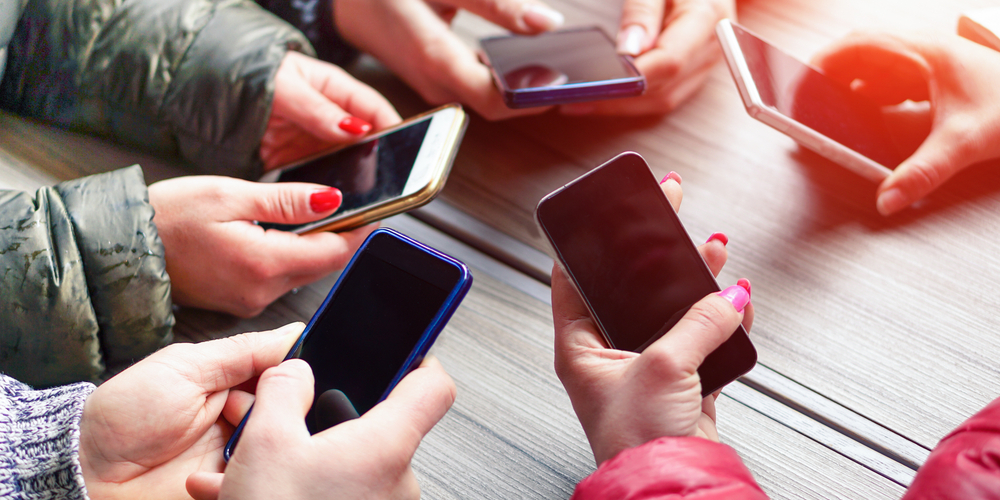 group-mobile-smartphones-circle.png