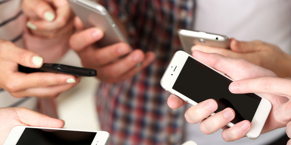 people-on-phones