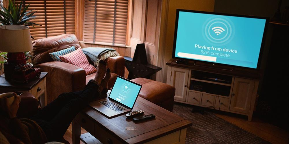 tv-laptop-ott-connected.jpg